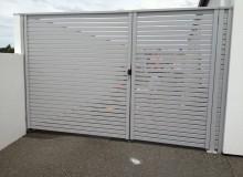 Canterbury Balustrade | Safa Slat Gate | Large